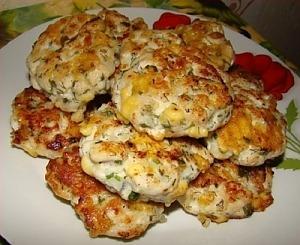 Рубленные куриные котлеты с сыром и зеленью
