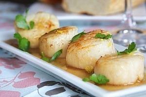 Морские гребешки в лимонном соусе