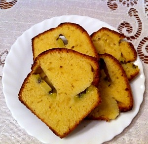 Быстрый пирог с киви