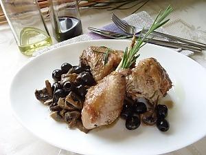 Курица с грибами и с маслинами