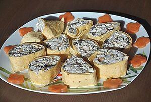 Простая закуска из лаваша с начинкой