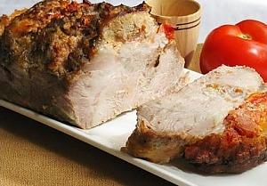 Запеченная свинина с томатами