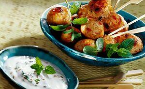 Фрикадельки с курицей и картофелем