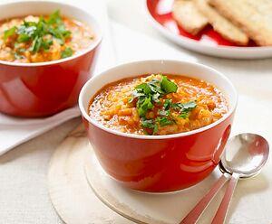 Суп із сочевицею й помідорами