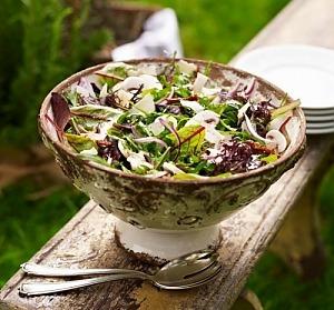 Салат із руколи й шпинату з грибами