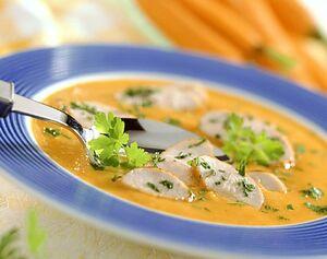 Морковный крем-суп с индейкой и петрушкой