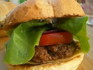 Гамбургер домашній з яловичини
