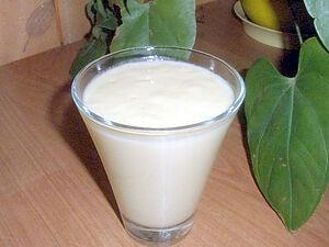 Коктейль из манго и йогурта
