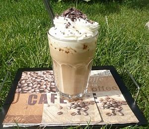 Холодный кофе со сливками
