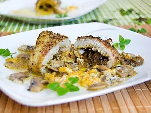 Рыбные рулетики с сыром и грибами