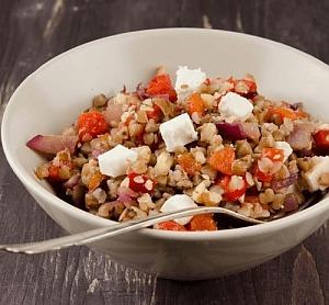 Салат із гречки і бринзи