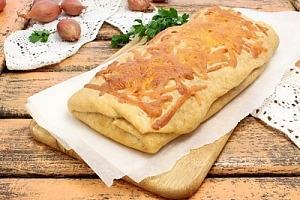 Пирог с картофелем, луком и сыром