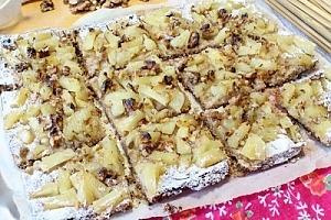 Пирог с ананасами из цельнозерновой муки