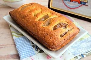 Быстрый пирог с консервированными грушами