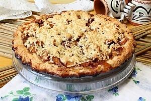 Тертий пиріг з яблуками
