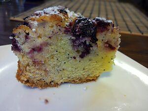 Ягодный пирог с маком