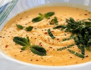 Суп из корня сельдерея с мятой
