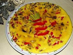 Овощной омлет с грибами