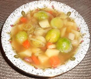 Суп с брюссельской капустой и фасолью