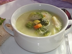 Суп из брюссельской капусты со сметаной