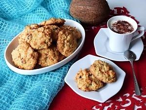 Кокосовое печенье с морковью и сухофруктами