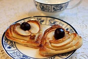 Слойки «Валентинки» с яблоками