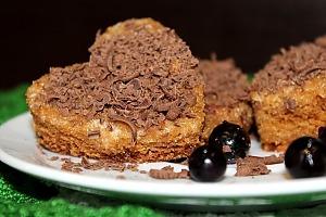 Бисквитные пирожные-сердечки