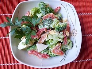 Салат из брокколи с яйцом и болгарским перцем