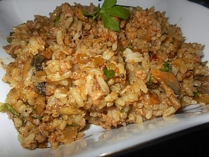 Рис с тунцом консервированным и грибами