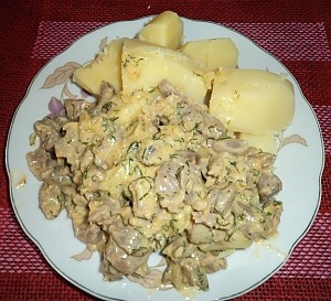 Куриные желудки в соусе