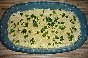 Салат с печенью, солеными огурцами и картофелем