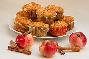 Яблочные маффины с корицей на молоке