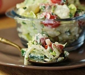 Салат с сырно-горчичной заправкой
