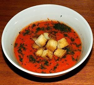 Томатный суп-пюре с сухариками