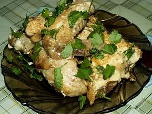 Тушеная курица с кинзой