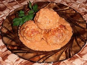 Рисовые тефтели с фаршем в томатном соусе