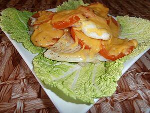 Рыба запеченная с помидорами и сыром