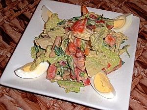 Салат из пекинской капусты с помидорами, болгарским перцем