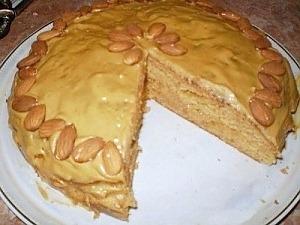 Простой пирог со сгущеным молоком