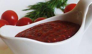 Сацебелі з томатної пасти