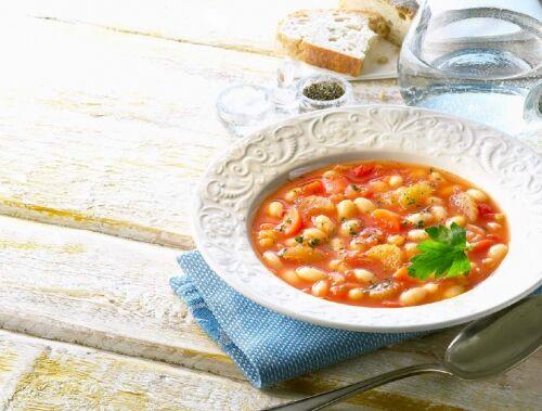 Фасолада — грецький квасолевий суп