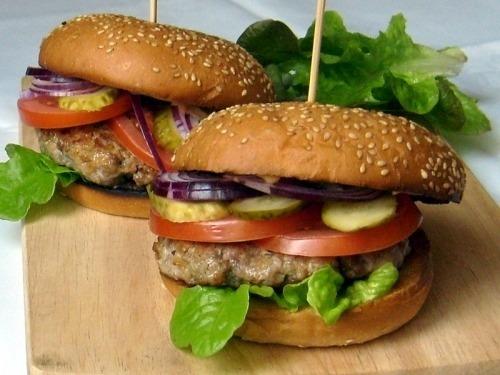 Домашний гамбургер со свининой