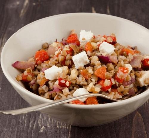Салат из гречки и брынзы