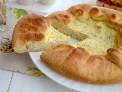 Пирог с картошкой и творогом