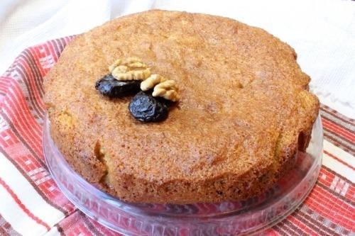 Пиріг з чорносливом