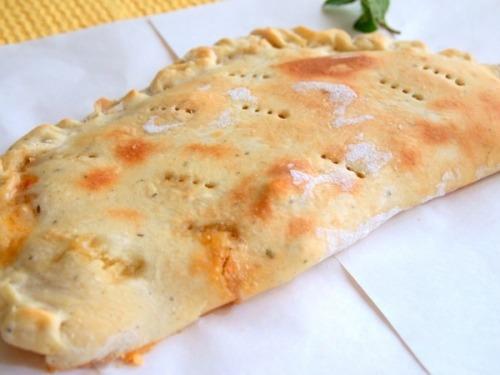 Закрытая пицца Кальцоне