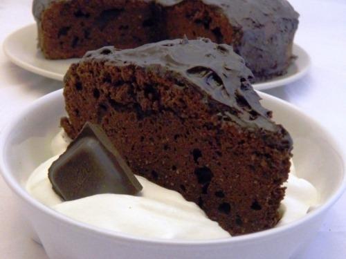 Шоколадний брауні з вершками