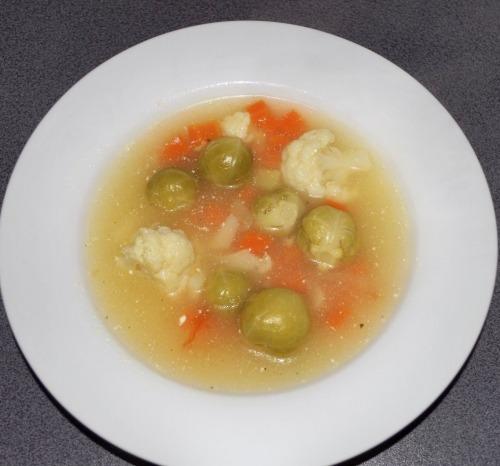 Суп из брюссельской и цветной капусты