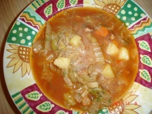 Суп с пекинской капустой и колбасой