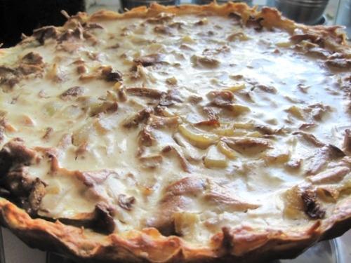 Картофельный пирог с лисичками